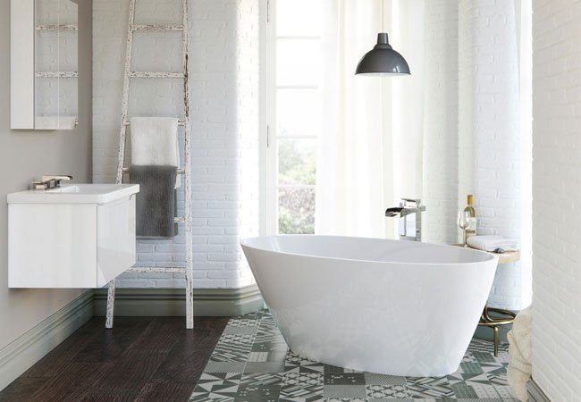 These Baths Are Ideal For Smaller Or Awkward Shaped Bathrooms. They Fit  Into A Corner Of The Room, Making The Most Of The Space Available.