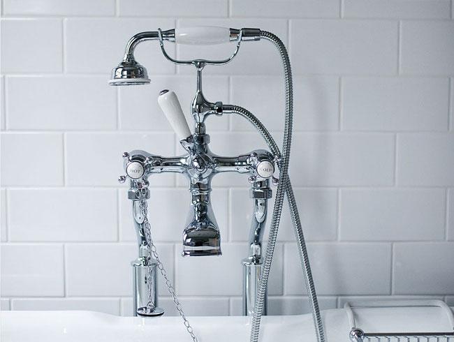 Traditionele badkamers - chroom vrijstaand koperwerk