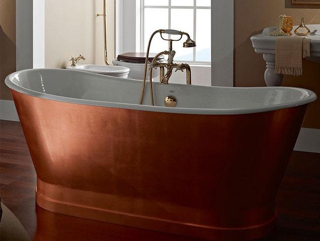 Traditionele badkamers - vrijstaand koperen bad