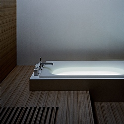 Toto Neorest LE Inset Bath With Bath Filler